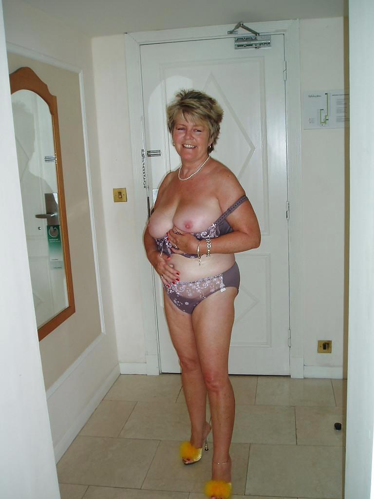 Hot mature women forum