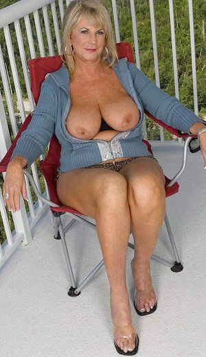 Mature outdoor cum