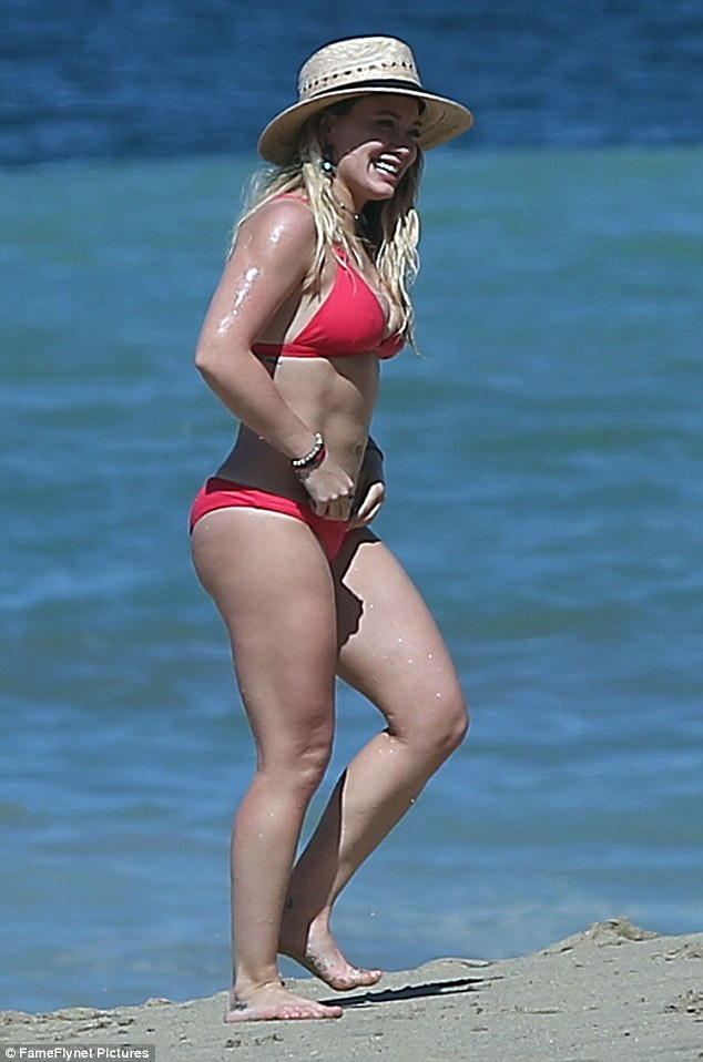 The K. reccomend Hilliary duff in bikini