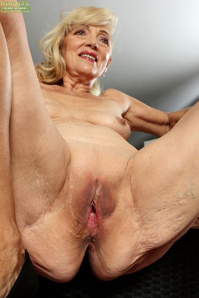 Nudist senior pussy