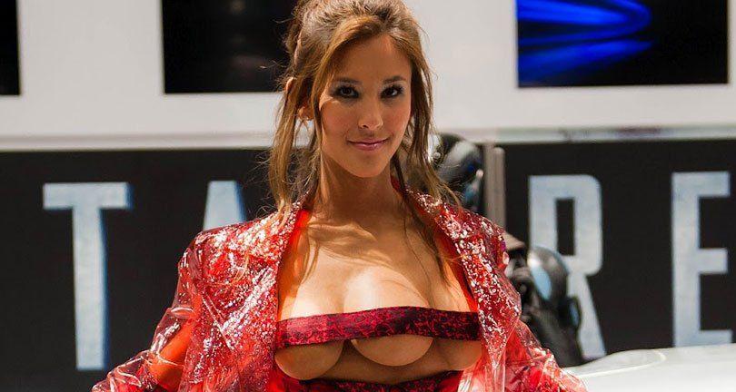 Total recall three boobs